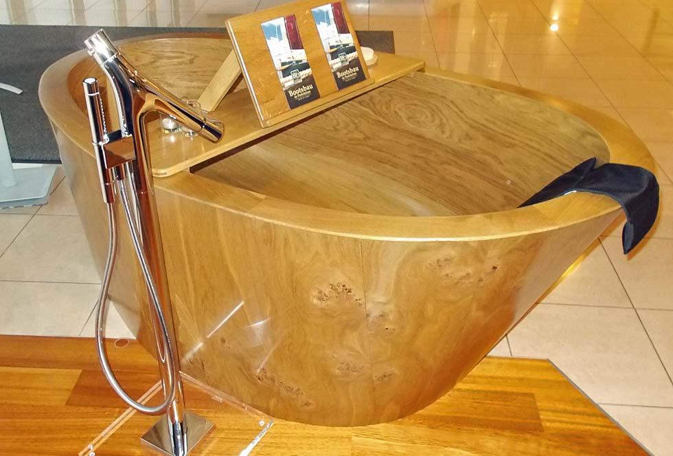 Die Fricke & Dannhus Holz-Badewanne